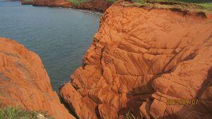 les iles madeleine falaises rouges à pic