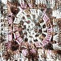 Poncho en carrés crochetés 3 détail