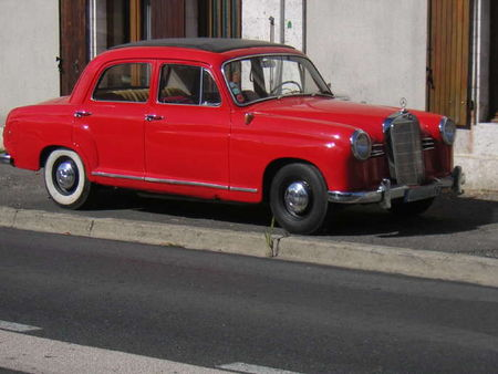 Mercedes180_D_Profil