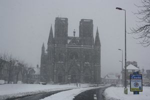 Avranches glise Notre-Dame des Champs neige 12 mars 2013