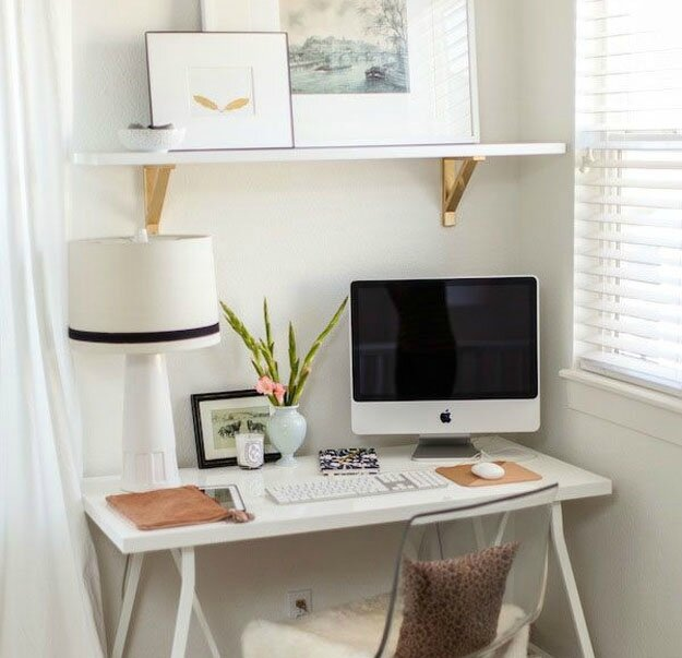 blogging-desk