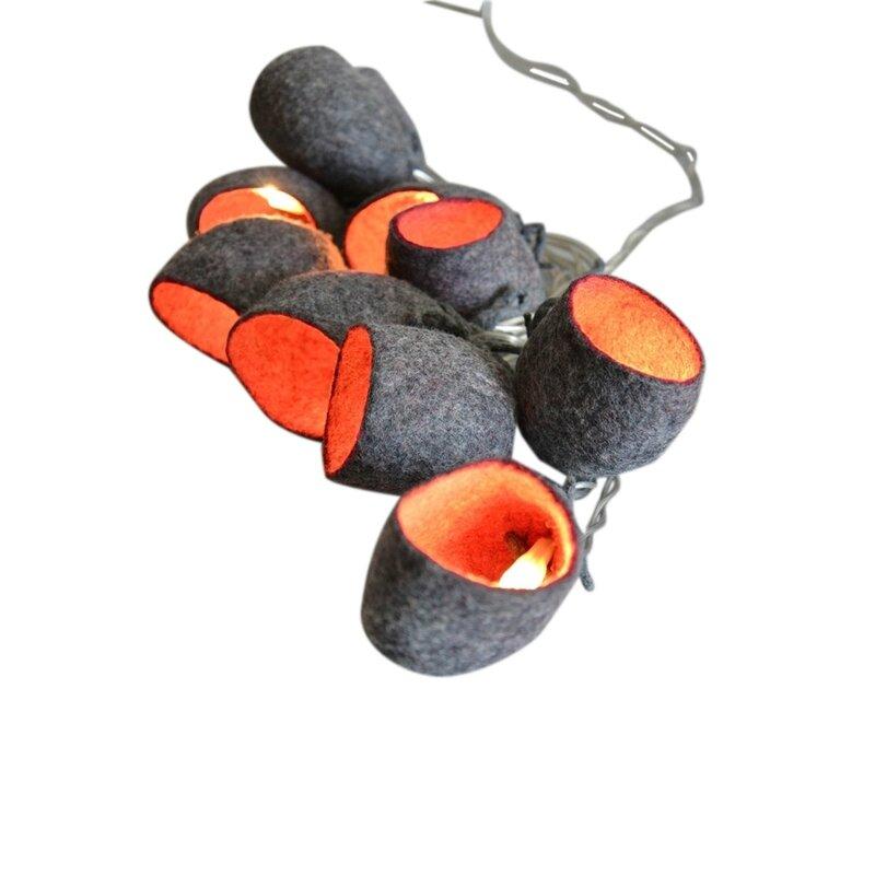 Guirlande-lumineuse-en-laine-feutree-Cocon-gris-et-rouge-bordeaux-28078_78548