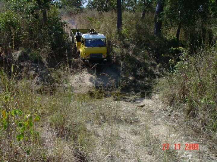 ouverture de pistes à Nangari