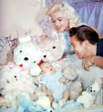 1958-12-pink_palace-jayne_mickey_miklos