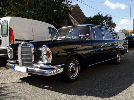MERCEDES___BENZ_220_SE_W111___1959_68__1_