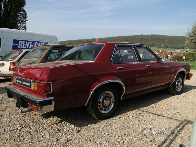 ford-granada-ess-4door-sedan-1978-1980-b