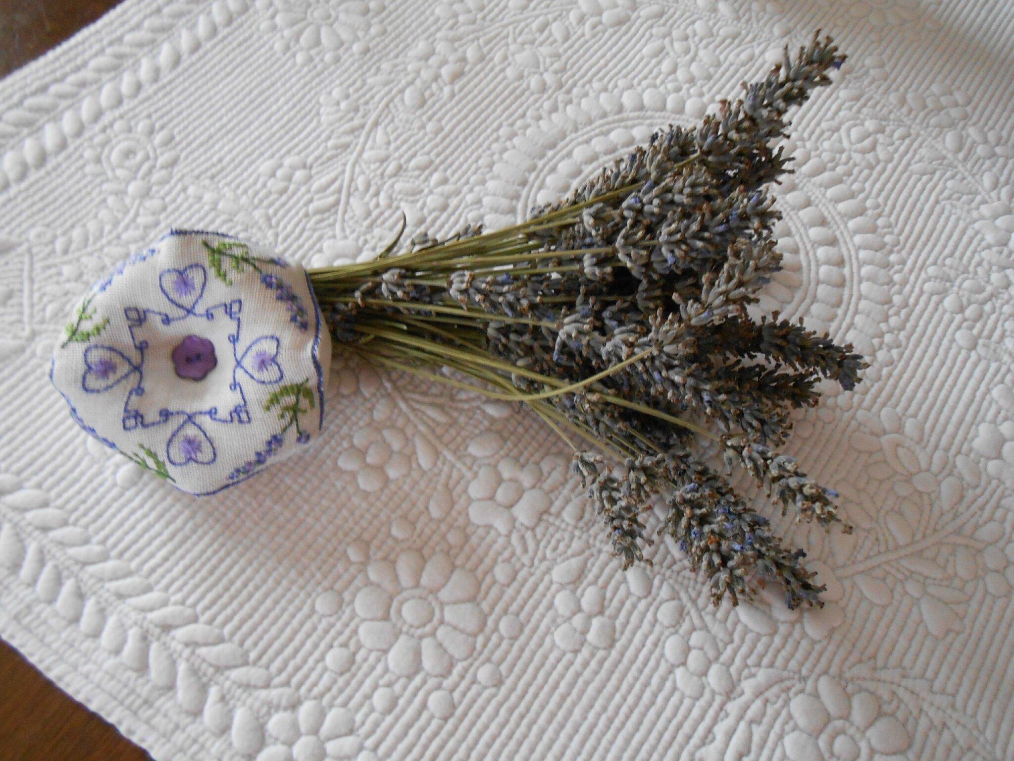 biscornu lavande bleu