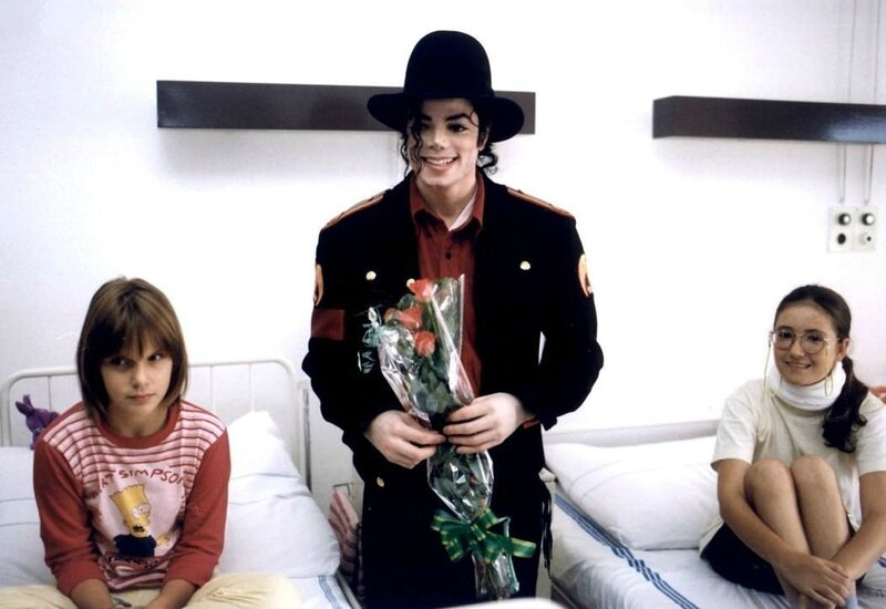 Michael-Jackson-childrens-hospital-in-Prague-62109659528 (1)