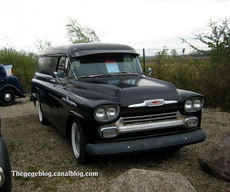 Chevrolet apache panel V8 de 1958 (Dachstein) 01