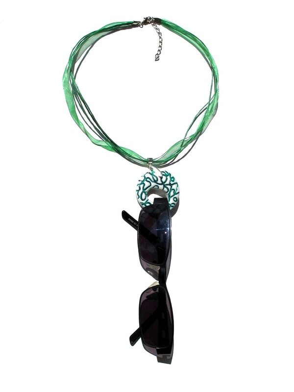 porte lunettes fimo rond blanc lignes vertes lunettes