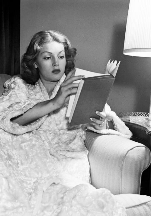 lana turner reading 1940