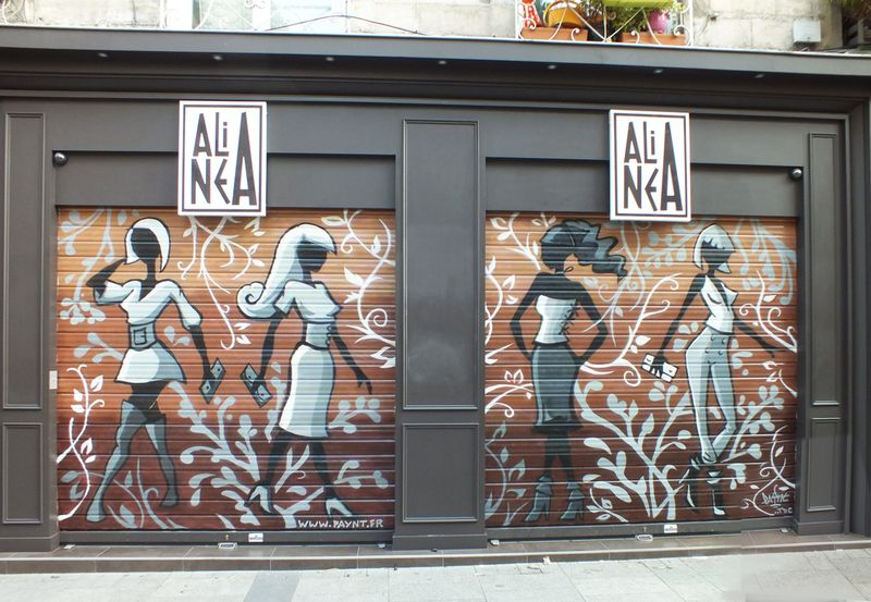 Graffiti fresque sur magasin