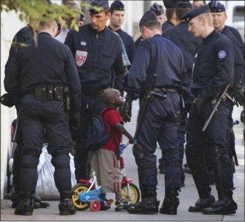 police-et-enfant
