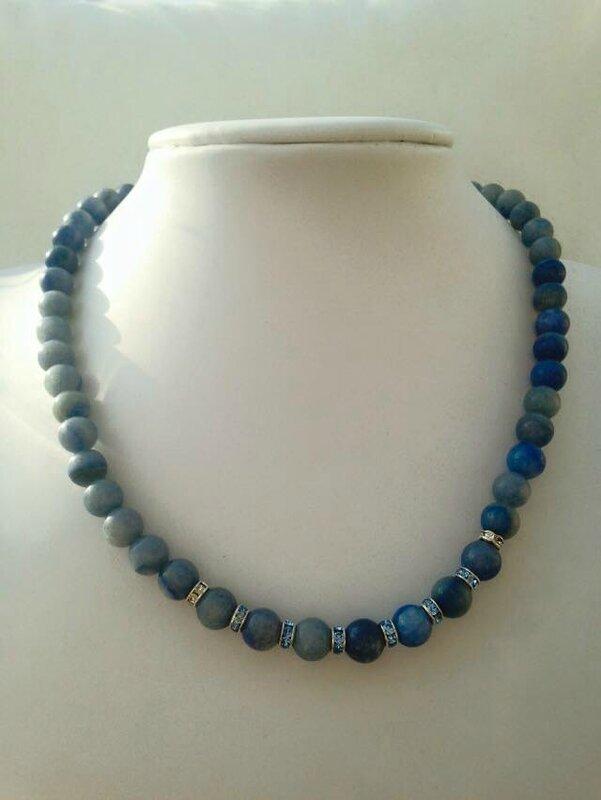 collier bleu maman