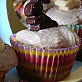 Desserts de pâques {cupcakes banane et fruits exotiques en cage de chocolat}
