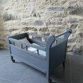lit roulotte pour poupée restauré, literie sur-mesure