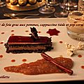 Croustillant de foie gras aux pommes, cappuccino tiède et pop corn