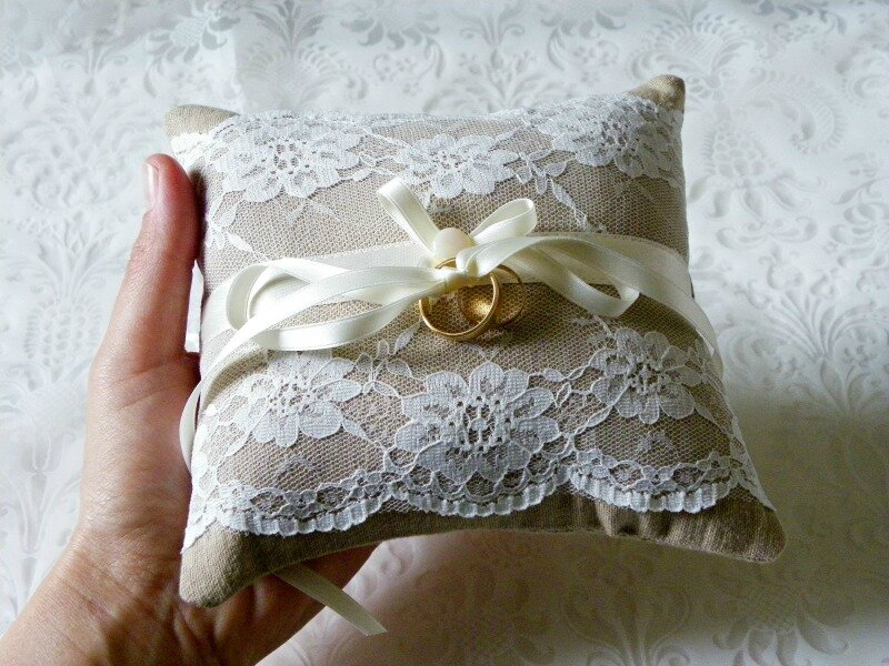 coussin-alliance-mariage-dentelle
