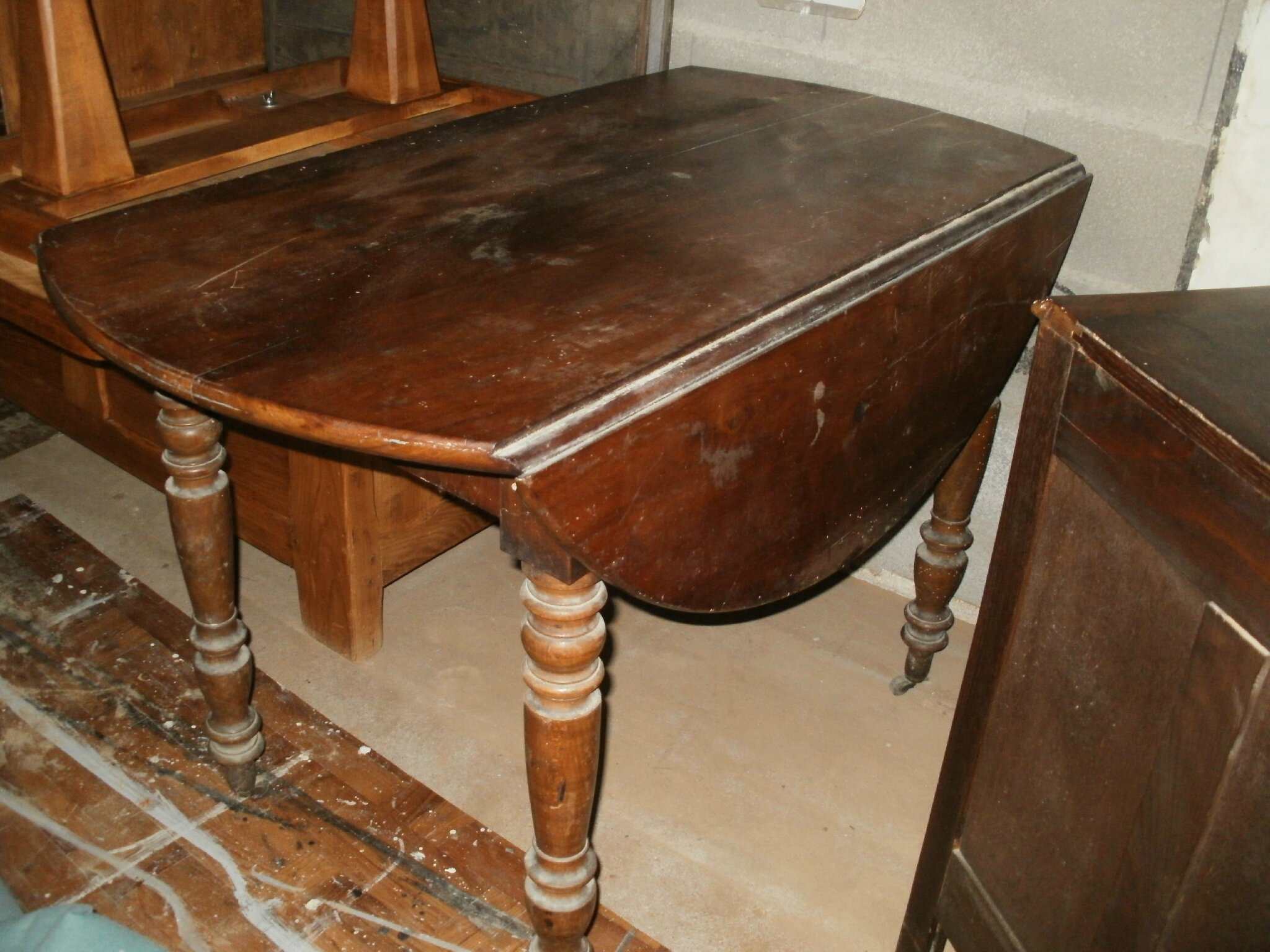 Table de s jour relooker relooking meuble en meurthe et for Relooker table bois
