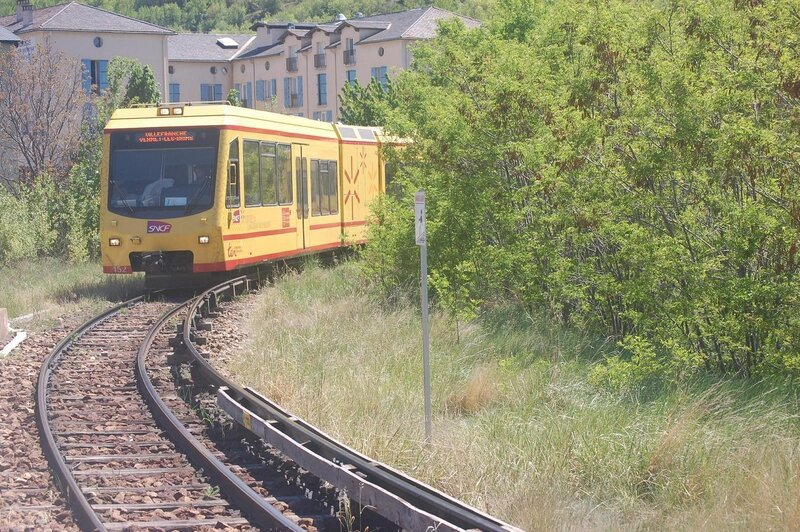 0380 Train Jaune 17 mai 2015 Denis