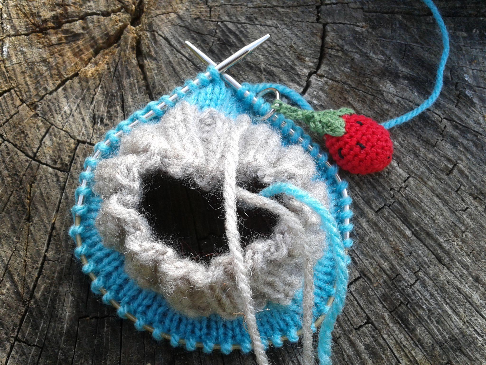 Comment tricoter des chaussettes avec une aiguille circulaire - Modele tricot aiguille circulaire ...