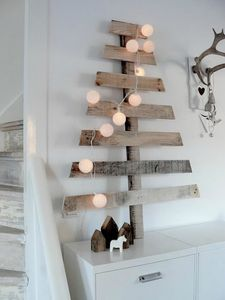wall-christmas-tree-ideas-3