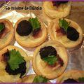 Tartelette de boudin noir aux pommes et confit d'oignon