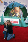 Premiere_Disney_Animated_Feature_Chicken_Little_FW1inmAzc0el
