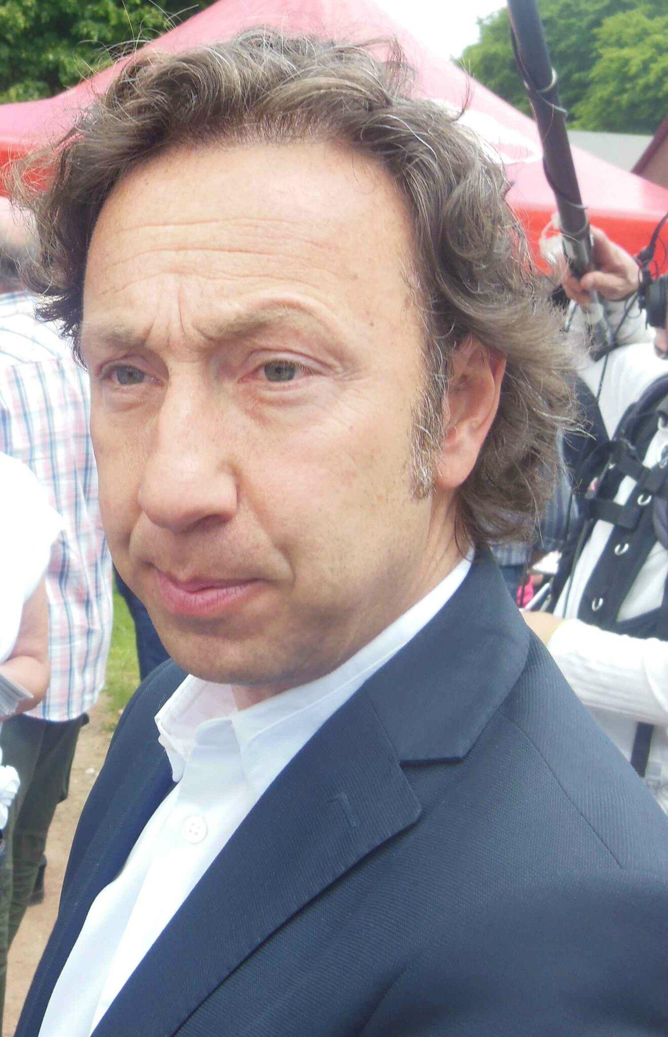 St phane bern parrain des jeux de thiron l 39 interview for Pourquoi ecossais portent kilt