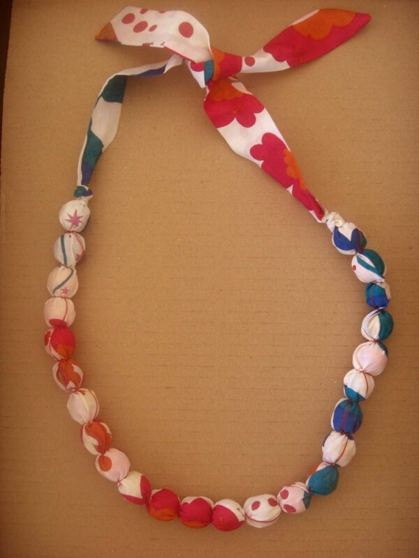 collier (30)