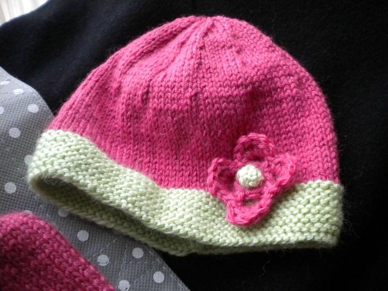 diy le trousseau de naissance au tricot pour b b fille the perfect mum. Black Bedroom Furniture Sets. Home Design Ideas
