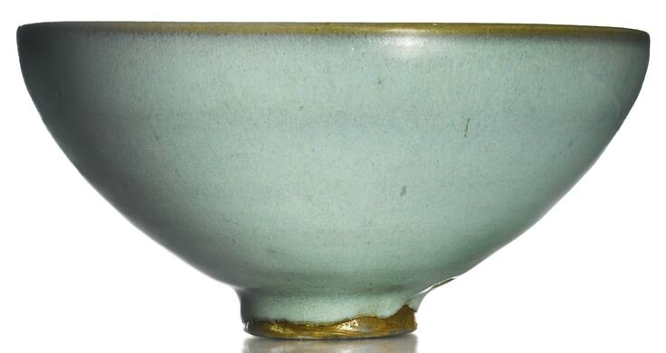 A 'moon white' 'Jun' bowl, Song dynasty
