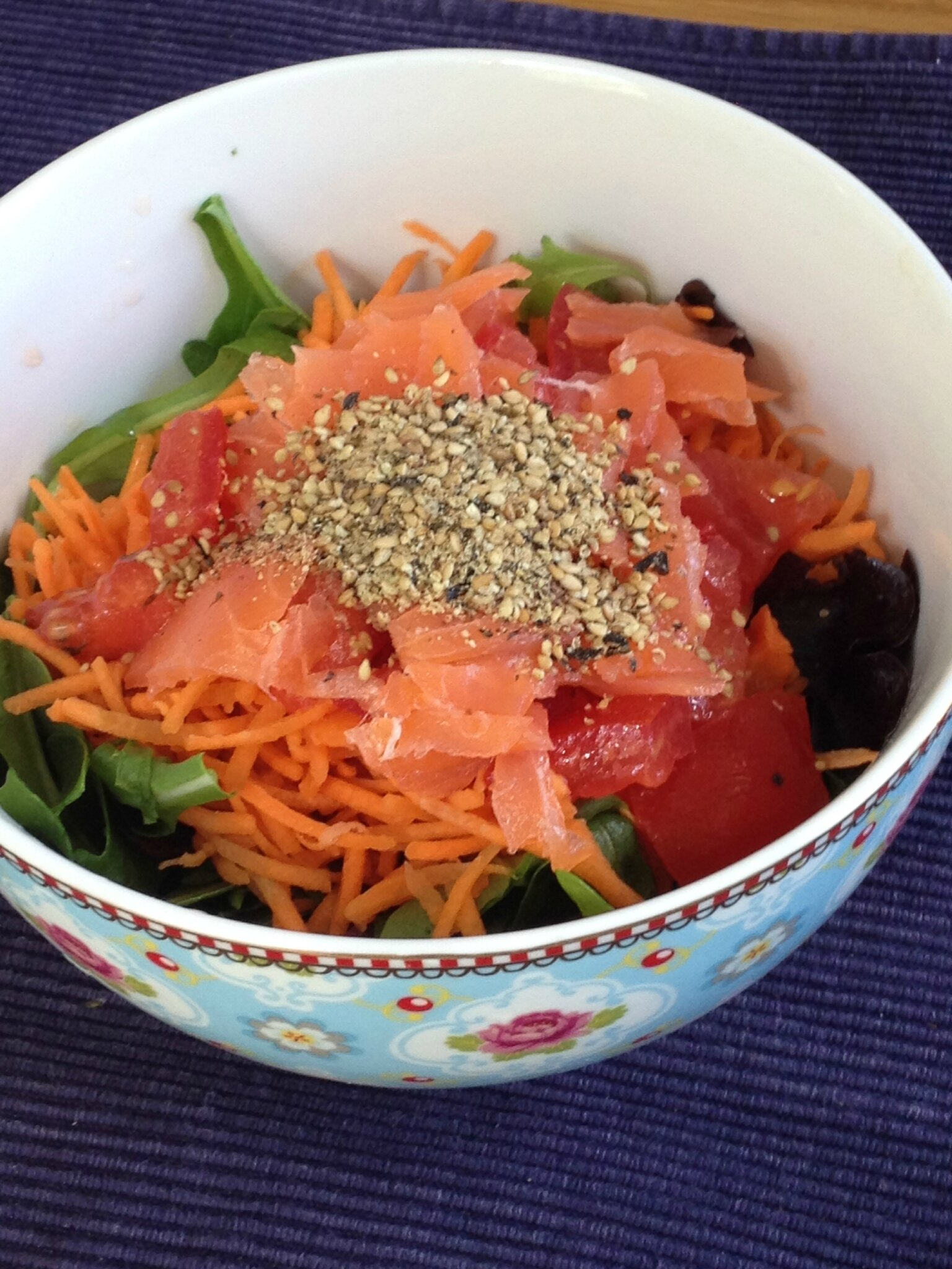 assiette saumon fumé guacamole