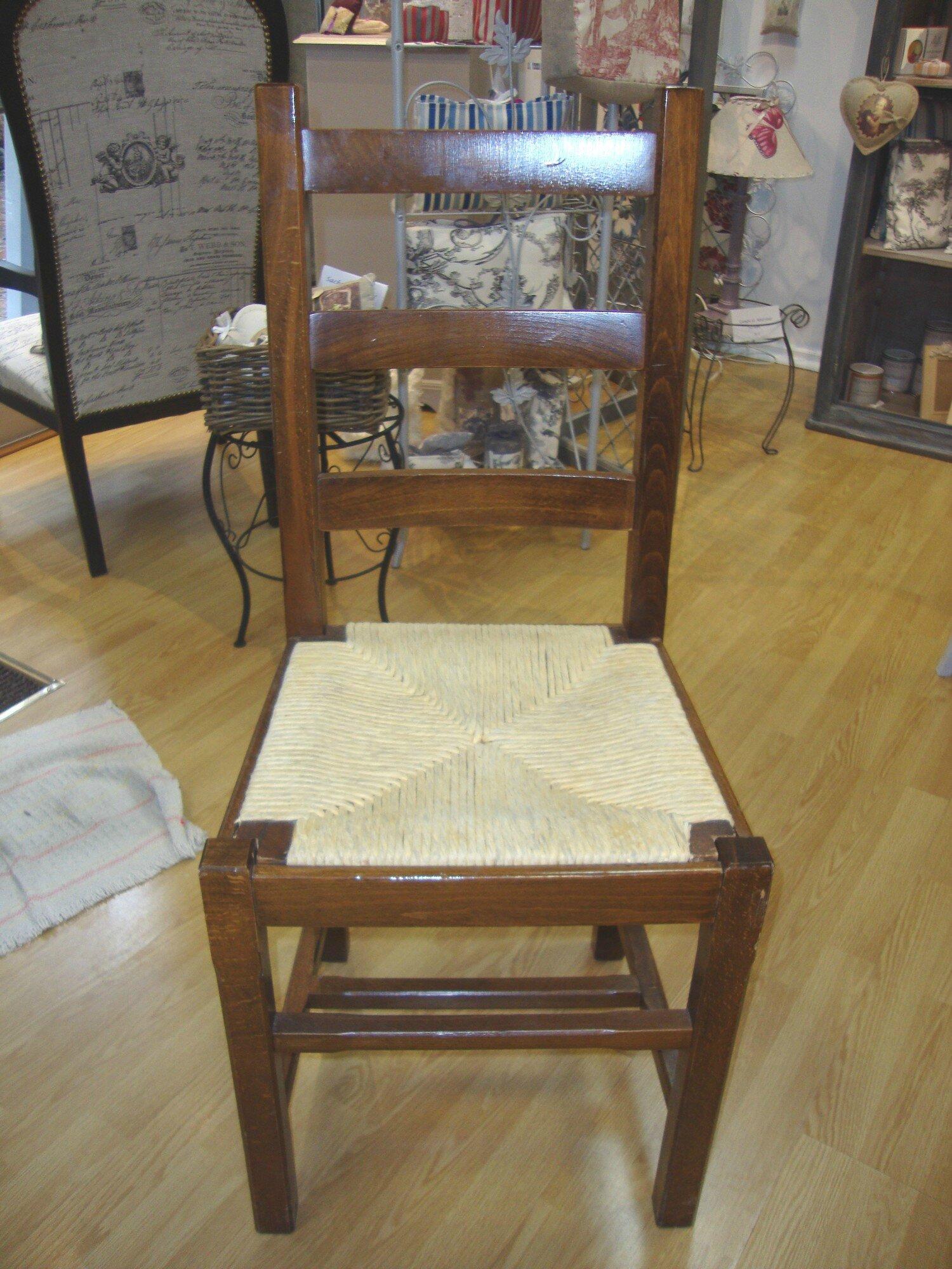 Relooker une chaise en paille - Relooker des chaises en paille ...