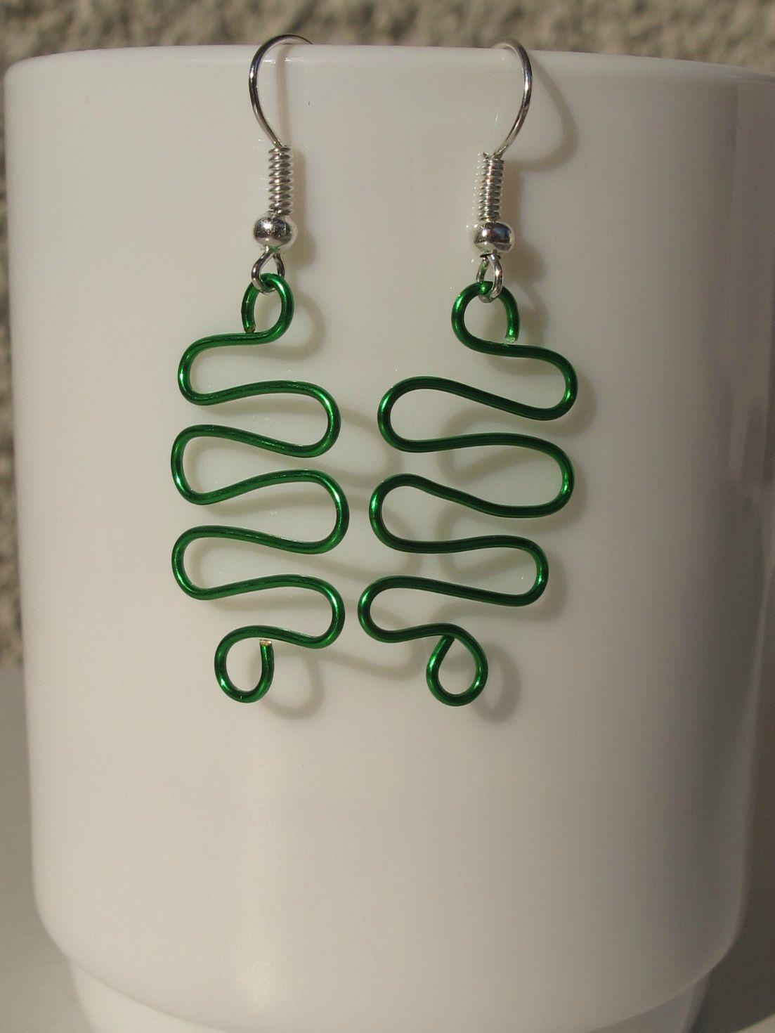 boucles d'oreilles wire vert ondulations