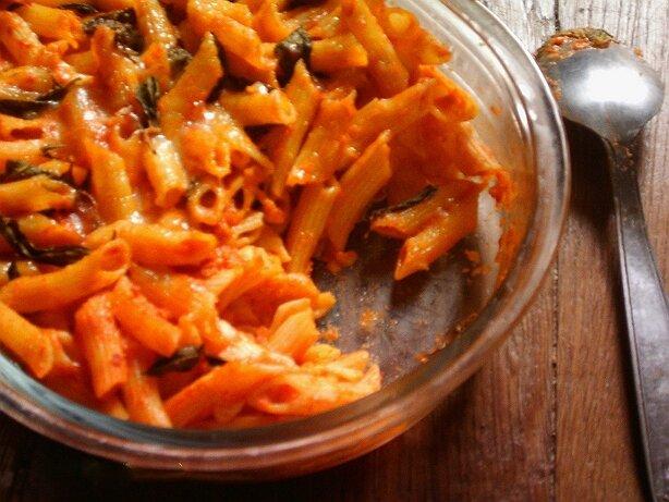 Gratin de pâtes tomates basilic mozzarella