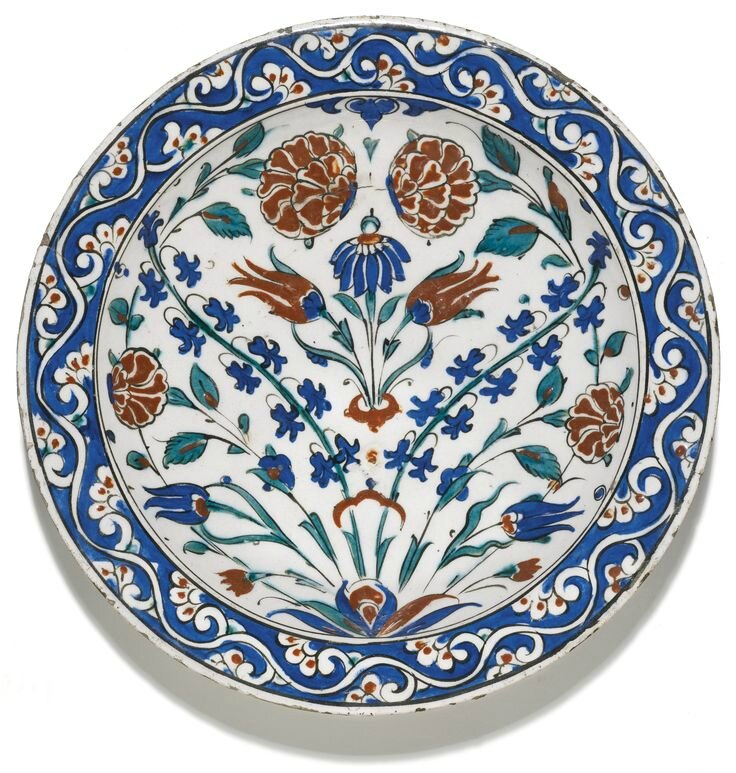 A large Iznik polychrome pottery dish, Turkey, circa 1580