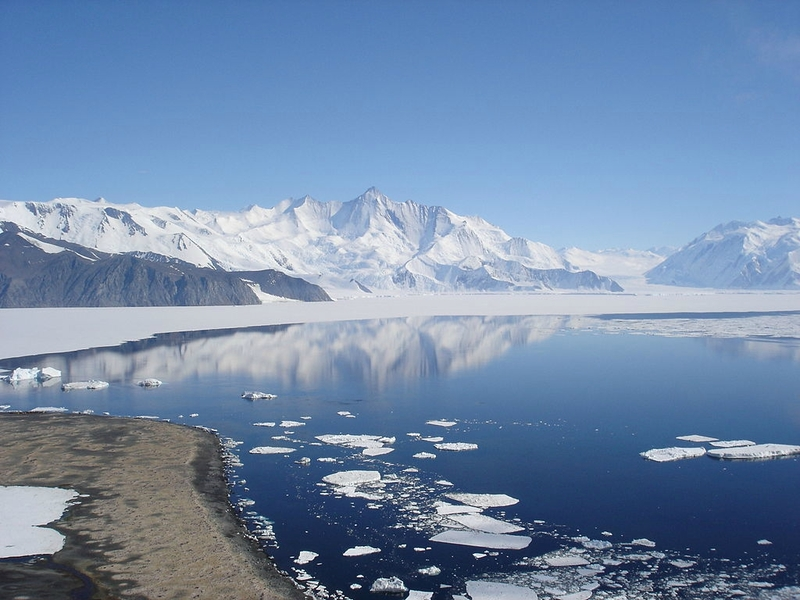 1024px-Mt_Herschel,_Antarctica,_Jan_2006