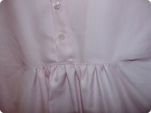 blouse_rose_d_tail_d_coupe_poitrine