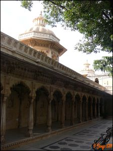 City_Palace_cour_int_rieure_Udaipur