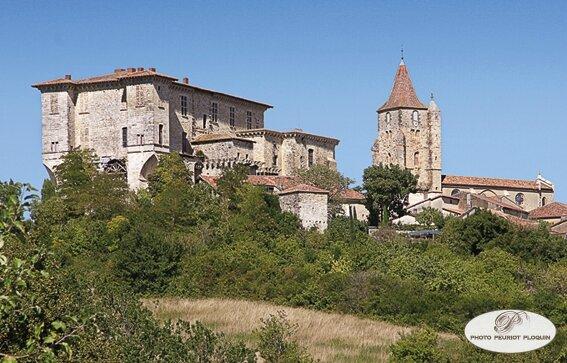 LAVARDENS_le_chateau_et_l_eglise_Saint_Michel