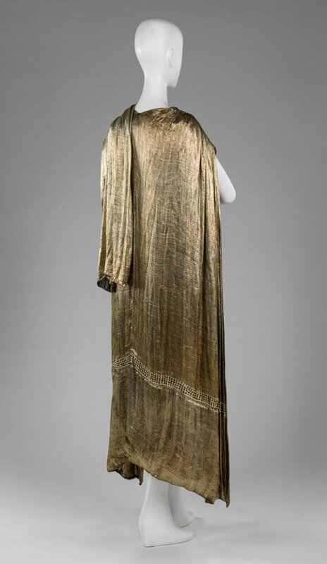 Attributed to Jean-Philippe Worth (French, 1856 - 1926), Cape, 1922 (back)