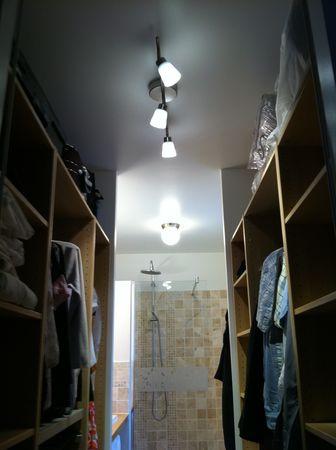 op ration luminaires vers une nouvelle maison. Black Bedroom Furniture Sets. Home Design Ideas