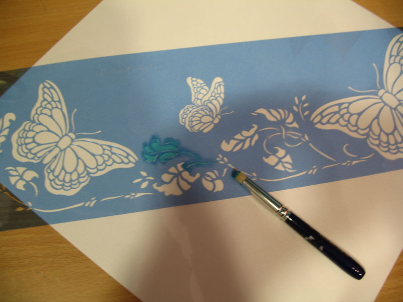 Tuto pochoir papillon rose et turquoise l 39 art d 39 tre for Pochoir peinture