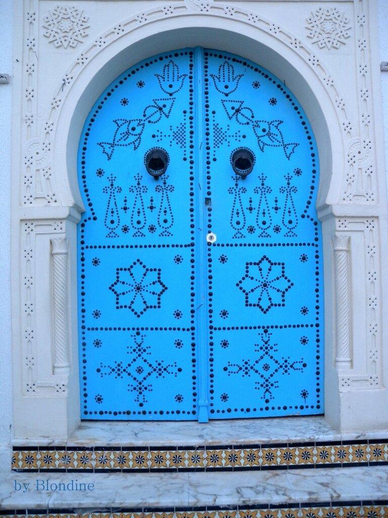 Je vous envoie un petit bleu en bateau lakevio for Decoration porte sidi bou said