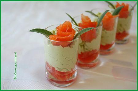 verrines_mousse_avocat_tomate_saumon2