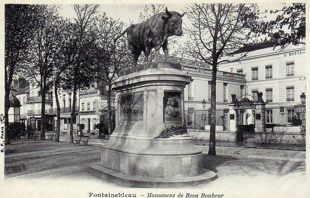 Taureau (sculpture à Fontainebleau)- R. Bonheur