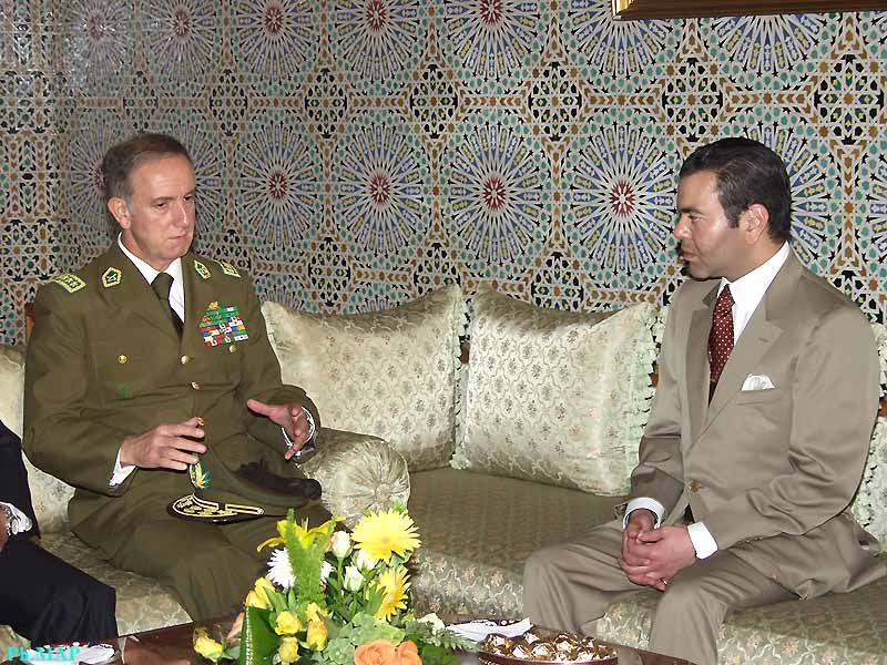 Prince Moulay Rachid and General Ciensuegos de Sierra the framework of cooperation between Chile's Riflemen and the Moroccan Gendarmerie Royale (rural police) 05/05/05
