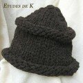 Chapeau brun Hip Knit Hat en Avoriaz (Phildar)