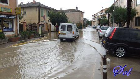 inondation_le_5_novembre_2011_rue_de_la_mourachonne_pegomas_04